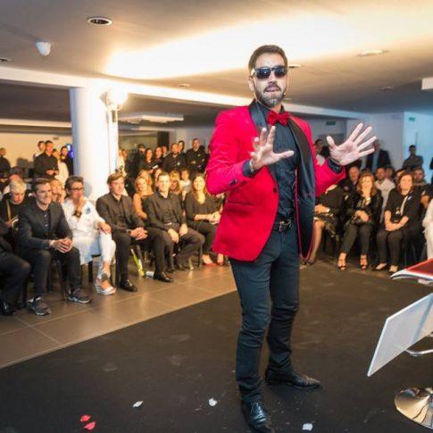 Rafa Durán presentando y actuando en evento para AUDI