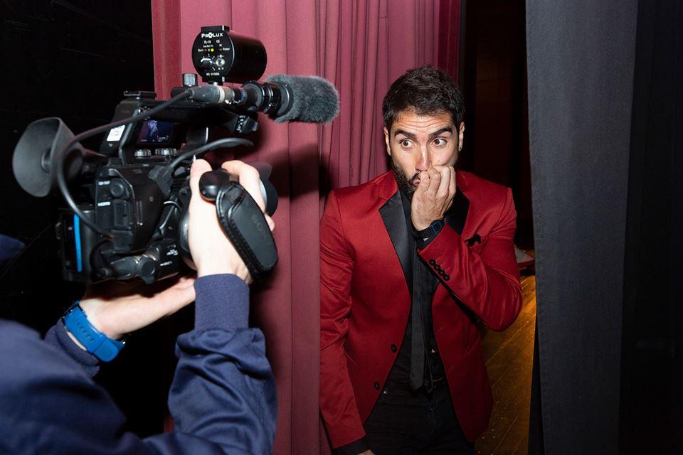 presentador, cómico y animador de eventos y televisión